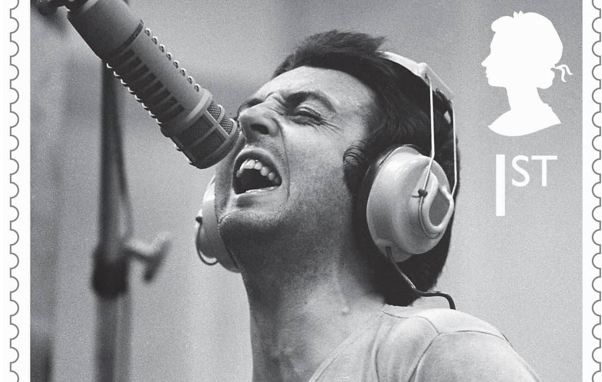 ポール・マッカートニー、ソロ・アルバムを振り返る記念切手が発行されることに